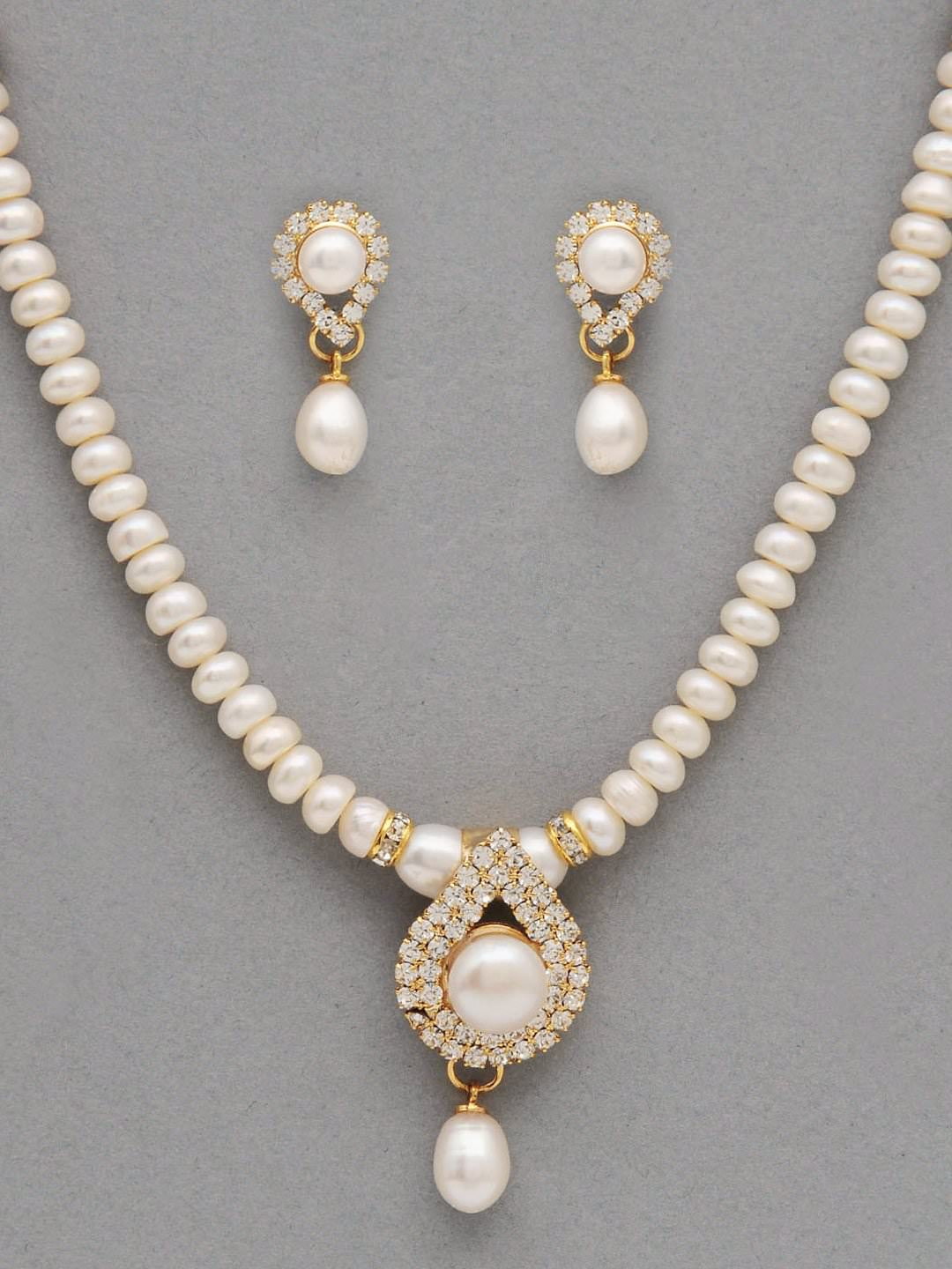 it's pearl jewelry for 30th wedding anniversary