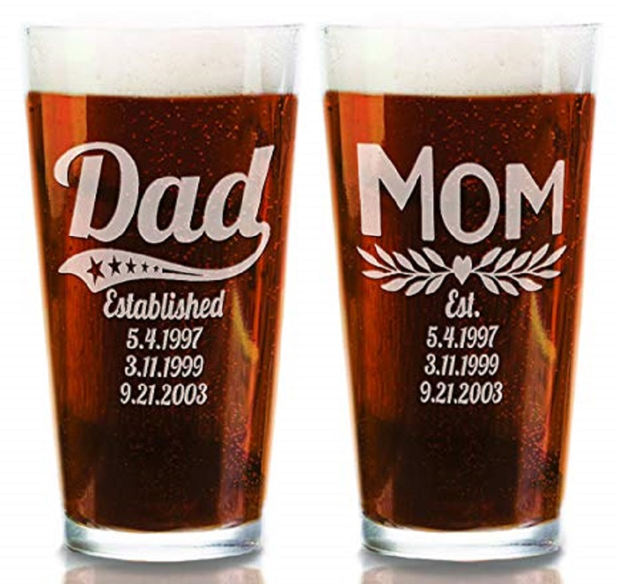 it's a set of personalized glassware for wedding gift for parents