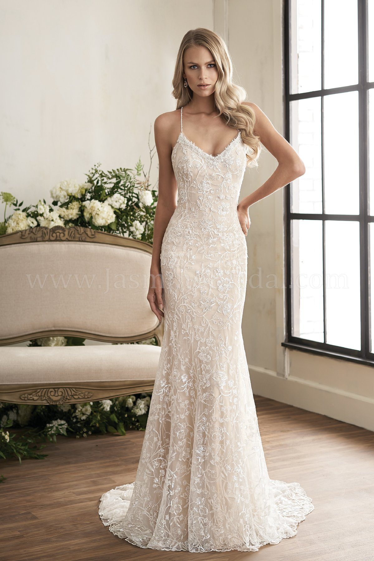 Lightweight Beach Wedding Dresses
