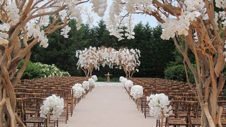 classic chic wedding theme 2019