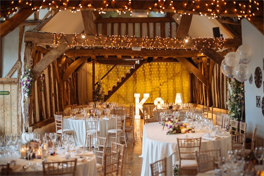 rustic chic wedding theme ideas