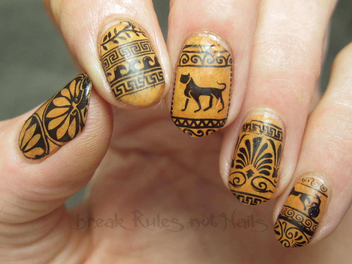 casual gold ancient nail art designs