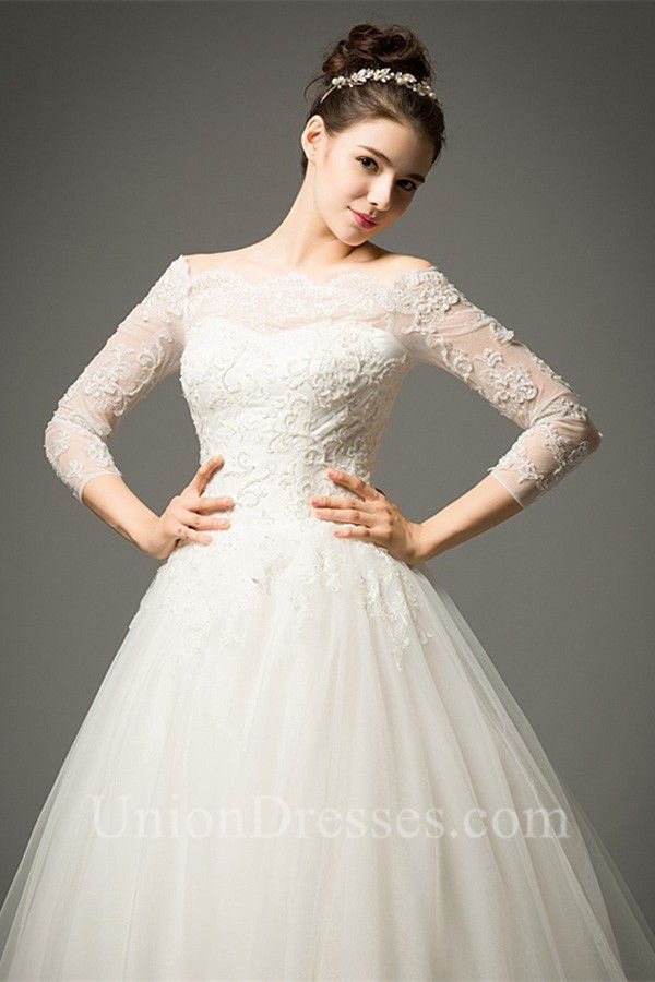 Beautiful ¾ Sleeve Wedding Dress with Lace and Tulle Skirt