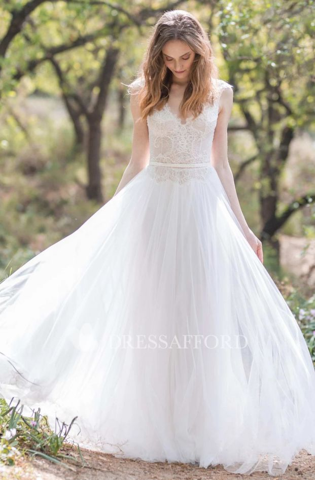 Cheap Boho Wedding Dresses Plunged Cap Sleeve Chiffon Sheath Wedding Dress