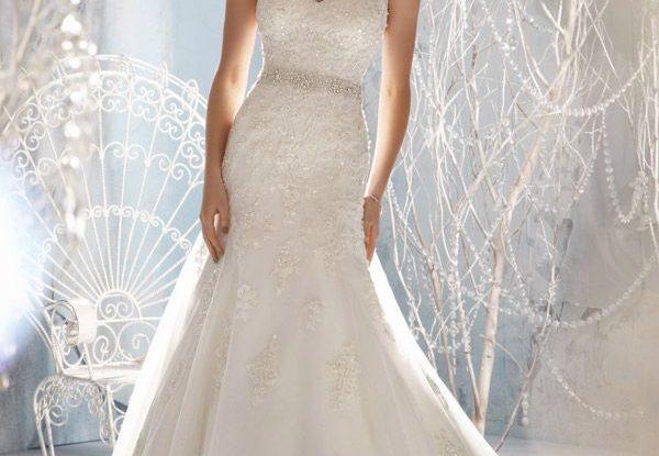 Cheap Boho Wedding Dresses Sleeveless Floor length with Lace and Beading Wedding Dress