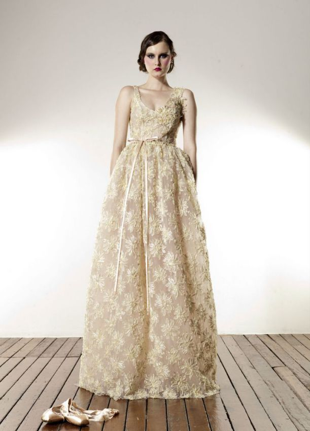 Cheap Rent Romantic Wedding Dresses