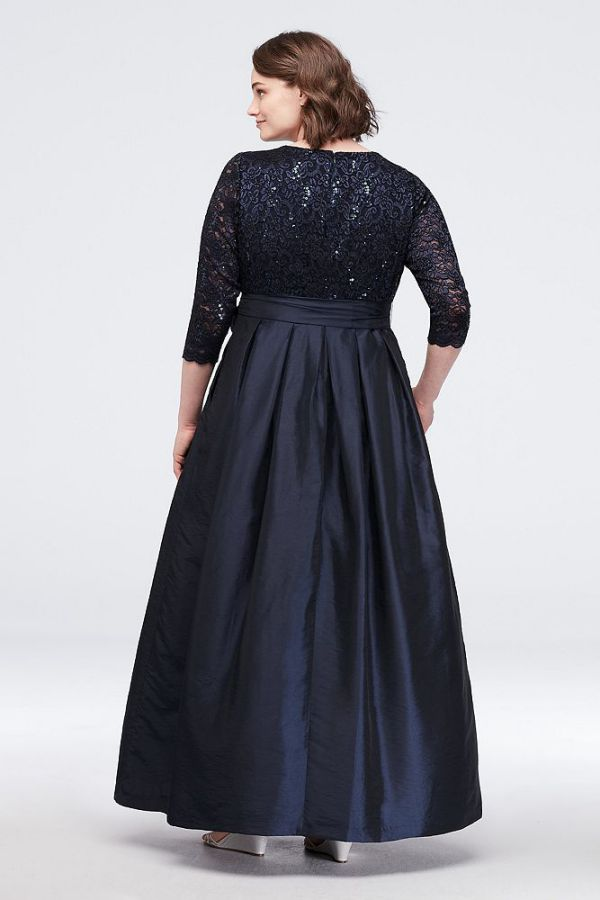 Elegan Plus Size Special Occasion Dresses Lace Surplice Bodice Ball Gown Back side