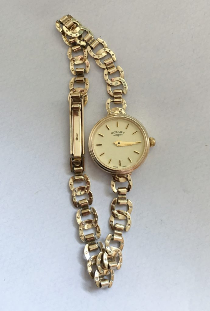 Elegant Ladies Gold Bracelet Watch