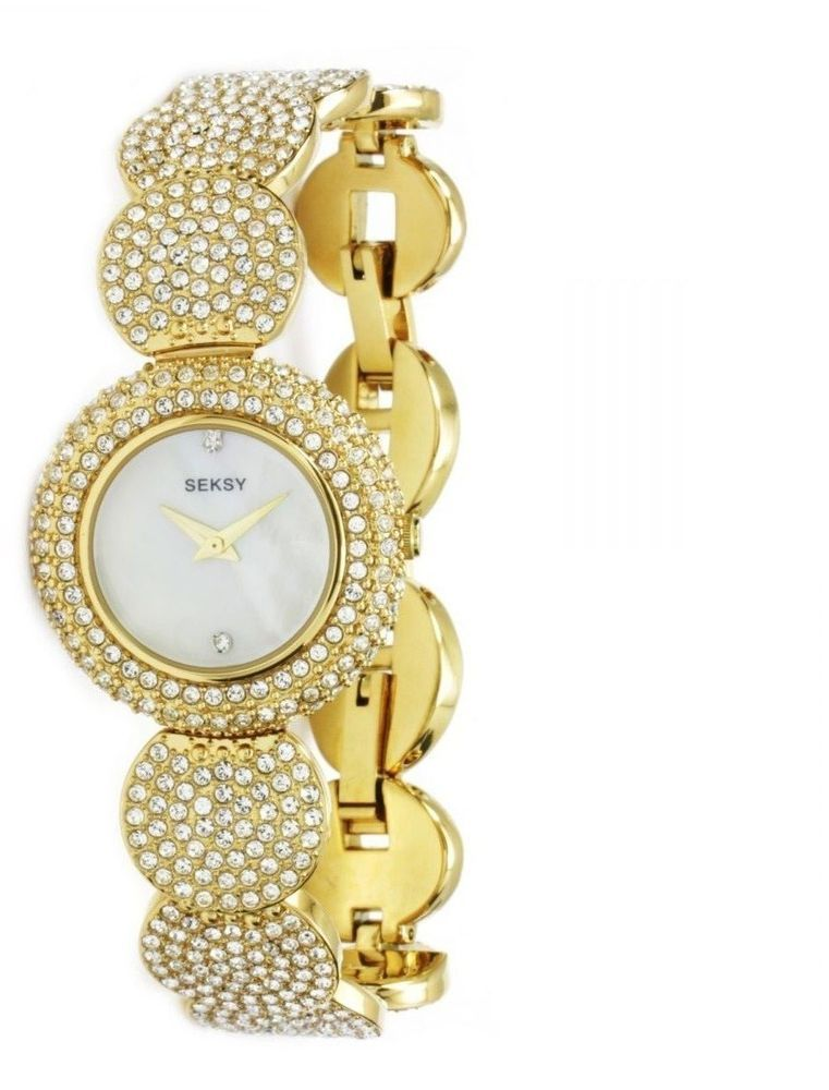Elegant Ladies Gold Bracelet Watch With Diamond
