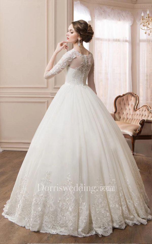 Elegant Scoop Long Sleeve Ball Gown with Lace Sleeves