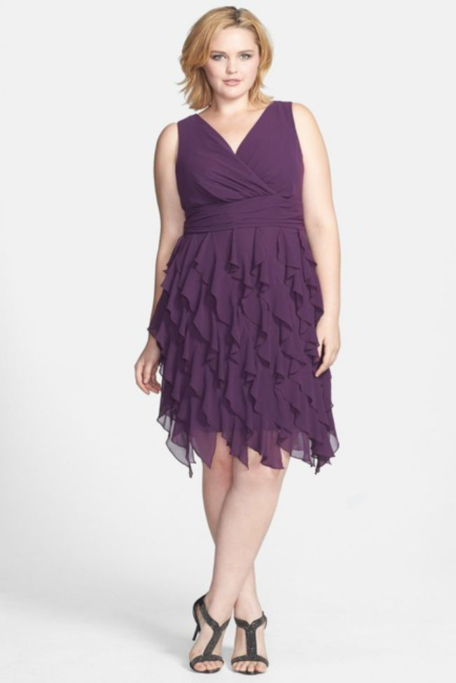 Plus Size Evening Dress Purple V Neck Ruffled Skirt Dress