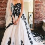 6 Black and White Wedding Dress to Try